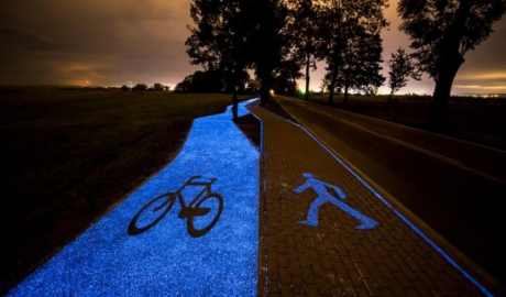 Bicycle track that lights in the dark